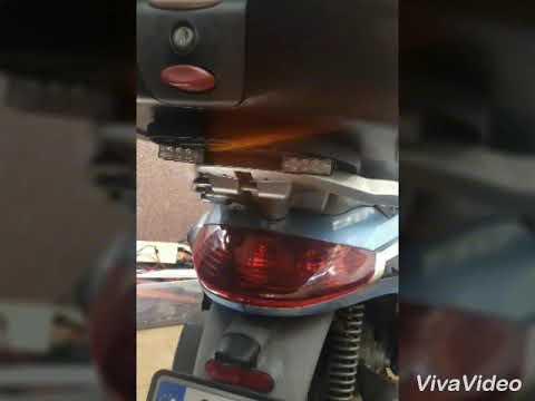 luces de emergencia. Mau. Moto Piaggio Beverly 250 ie.
