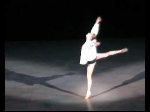 Танцует Ирина Скринник