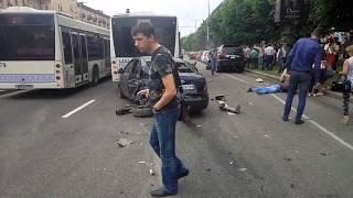 Жуткая авария на проспекте в районе Сталеваров (Запорожье).Водитель не в адеквате