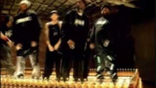 D-12 feat EMINEM, Leave Dat Boy Alone, clip.........