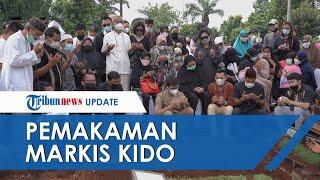 Jenazah Markis Kido Dimakamkan di TPU Kebon Nanas Jakarta Timur, Suasana Sedih Mengiringi Pemakaman