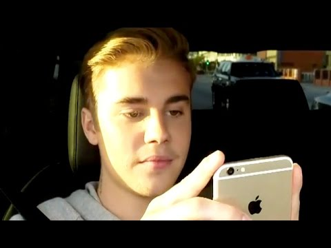 Justin Bieber Gets Text From A New Girl On Live TV