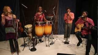 Bashiri Johnson and Friends - Wandewe