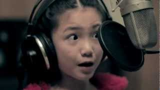 "9-YEAR-OLD Crystal Lee sings ""CALL ME MAYBE"" (Carly Rae Jepsen Cover) HD"
