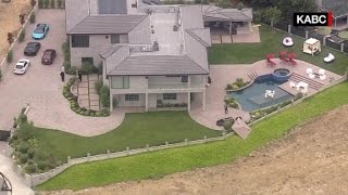 Chris Brown's home robbed!