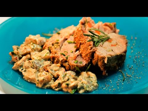 свиная отбивная в кляре с жареными грибами перловкой и йогуртным соусом