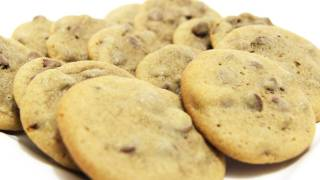Chewy Chocolate Chip Cookies – Video Recipe