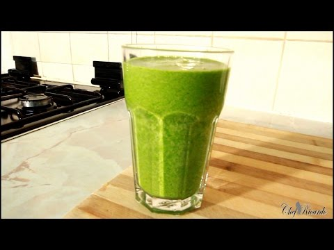 Video Healthy Green Drink With Broccoli, Spinach, Cucumber, Ginger, Kale & Apple Juice