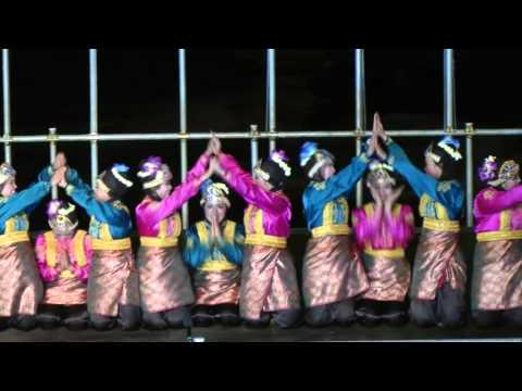 Indonesian Traditional Dance: Ratoh Jaroe Dance From Aceh