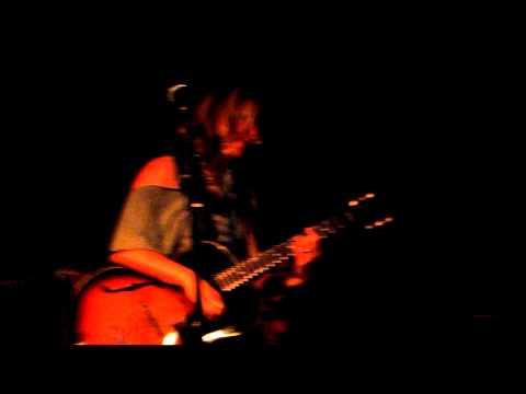 Leslie Lowe - Your Love (Live @ Room 5) Nov'11