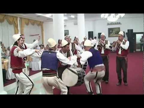 Motrat Hoxha - Tupanat le te bien 2o