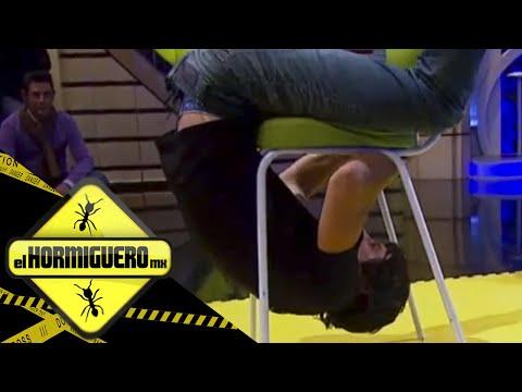 La temible silla -¿ Pasar por debajo sin tocar el suelo?