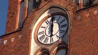 Montaż zegarów na wieży kościoła św. Franciszka z Asyżu w Gdańsku
