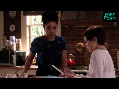 Chasing Life 2.08 (Clip 'April Discovers the Scavenger Hunt')