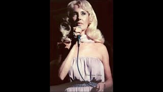 """Tammy Wynette sings """"I DON'T WANNA PLAY HOUSE"""" live on the Grand Ole Opry"""
