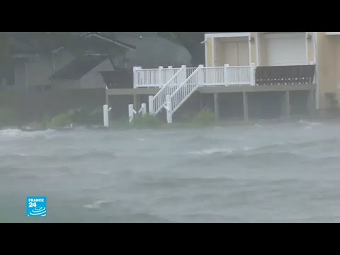 العرب اليوم - شاهد: طلائع الإعصار فلورانس تصل للسواحل الشرقية للولايات المتحدة