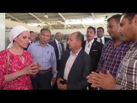 وزير التجارة والصناعة يتفقد الوحدات الانتاجية بمدينة الجلود بالروبيكى