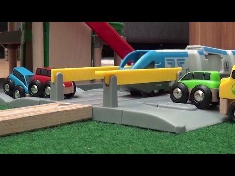Toy Trains Cars Parking Garage Brio City Kids Toys Spielzeug Parkhaus Autos Züge Kinderfilm Zug