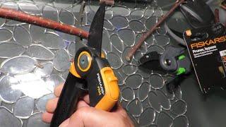 FISKARS PX94 PowerGear X : 3X more powerful pruning shears!