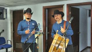 Los Tamborileros de Juan Hernandez y Julio Prado Tercero Linares N.L. / Tambora y Clarinete