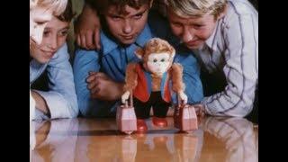 06. «Песня игрушек» (Заводные игрушки) — «Приключения Электроника», Одесская киностудия, 1979