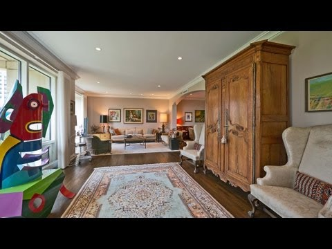 A grandly-proportioned 3-bedroom at 840 North Lake Shore Drive
