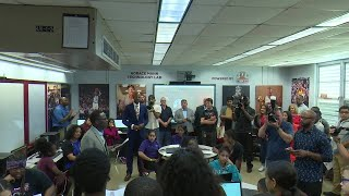 Ray Allen Donates Computer Lab To Horace Mann Middle School