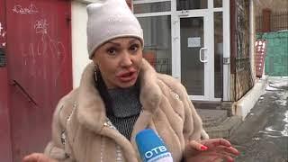 Странная бабушка в коммуналке на Красного Знамени терроризирует новоселов