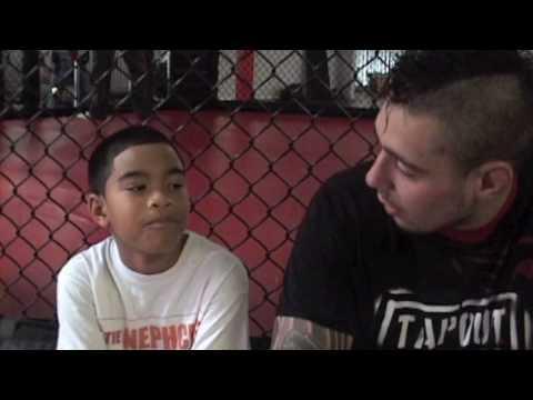 Tyler meets Dan Hardy 2010