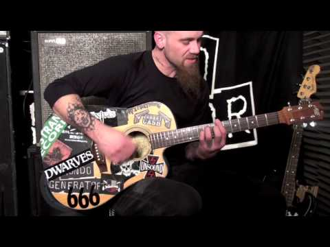 "Nick Oliveri teaches us ""Auto Pilot"" by Queens of the Stone Age"