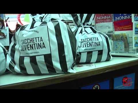 Napoli - Il sacchetto dei rifiuti juventino (26.09.13)
