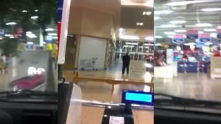 Ленивые ребята в супермаркете / Trip to the supermarket