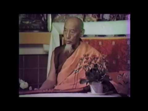 Tibetan public talk HH Zong བོད་མི་རིགས་ལ་བསྔགས་བརྗོད་གནང་བ།།