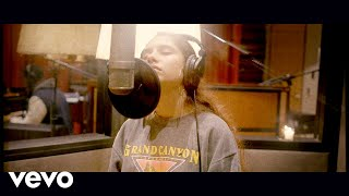 Alessia Cara - Ready (Live Off The Floor)