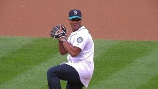 Seahawks QB Russell Wilson throws out the first pitch