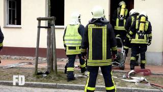 preview picture of video 'FF Mittenwalde - Feuer Wohnhaus - Paul-Gerhardt-Ring - 19.03.2010'