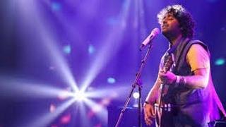 "Arijit singh Live Singing "" Ik Vaari aa "" | Arijit singh singing"" IK VAARI AA "" Live OMG What a MAN!"