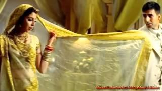 Mujhe Pyaar Do - Ab Tumhare Hawale Watan   - YouTube