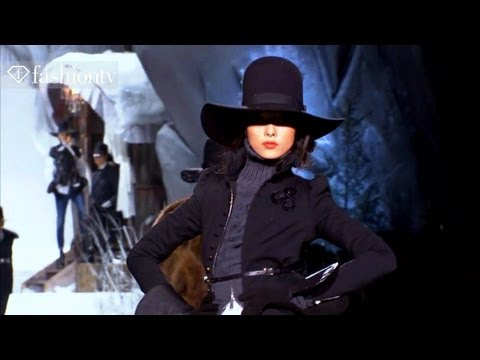 Models - Fei Fei Sun + Karmen Pedaru - Fall 2011 Fashion Week | FashionTV - FTV