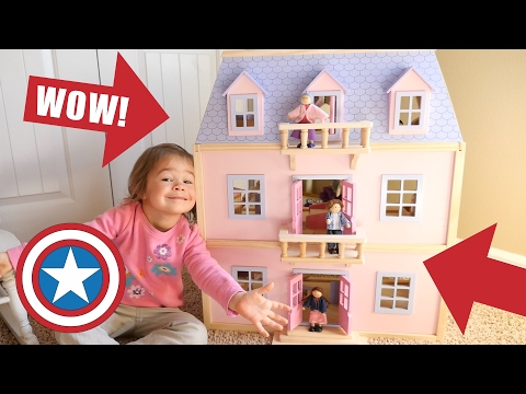 NEW Melissa & Doug GIANT Dollhouse Dream House With Furniture & Dolls