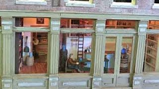 """""""O"""" Scale Model Railroad Hotel With Full Detail And Full Interior."""