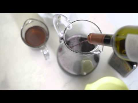 How to Make Holiday Sangria with Truvía® Natural Sweetener
