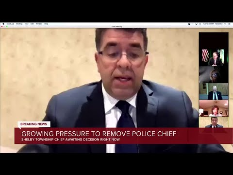 Growing pressure to remove police chief