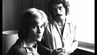 Fall In Philadelphia (acoustic) - Hall & Oates