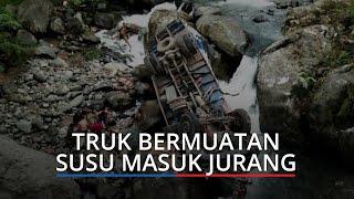 KRONOLOGI Truk Muatan Susu Masuk Jurang 30 Meter di Sitinjau Lauik Padang, Sopir Luka di Kepala
