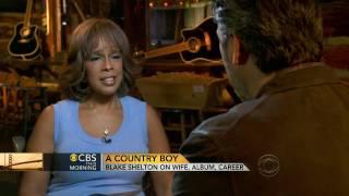 Blake Shelton talks to Gayle (04.05.2013)