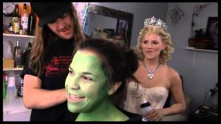 Fly Girl: Backstage at 'Wicked' with Lindsay Mendez, Episode 1: 'Greenifying' with the Fam
