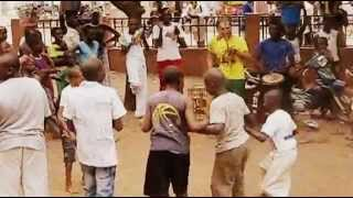 preview picture of video 'Roda exterieur ACL Capoeira Bamako'