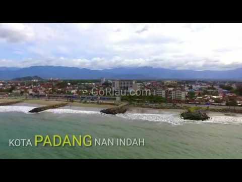 Video: Asyiknya Jalan-jalan Menikmati Pantai Padang dan Museum Adityawarman dari Udara