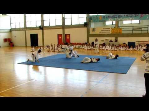 Τεχνικές αυτοάμυνας εναντίων πολλών αντιπάλων (3) - TAE KWON DO ΘΗΣΕΑΣ ΒΡΙΛΗΣΣΙΩΝ